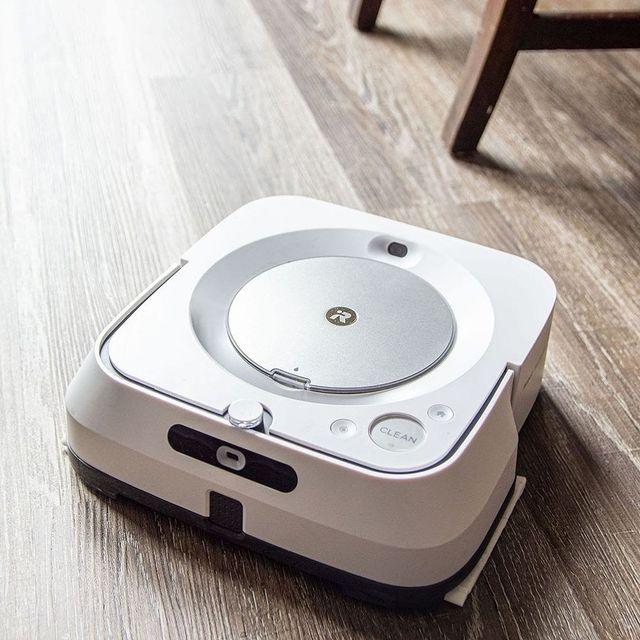 Feltette már a kérdést, hogy mi passzolna a leginkább egy iRobot porszívóhoz? A válasz egy Braava Jet M6, mellyel egyszerűen és könnyen takaríthatja otthonát, akár applikáció segítségével is! #irobot #braavajetm6 #porszívógép #vacuumcleaner #cleaning #takarítás #felmosógép